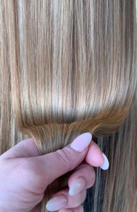 Shiny blonde hair at the klinik