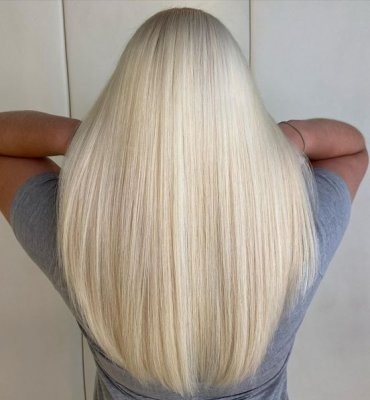 Long Blonde fresh root touch up by Leyla