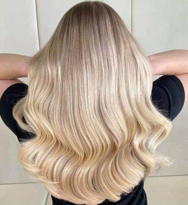 Long blonde Hollywood hair